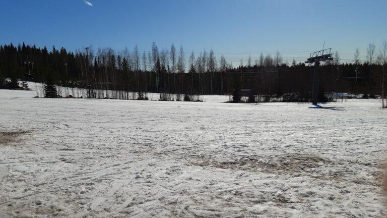 Tähän rakennetaan Lakeuden viestin 2021 kilpailukeskus. Vielä pitää lumien sulaa...
