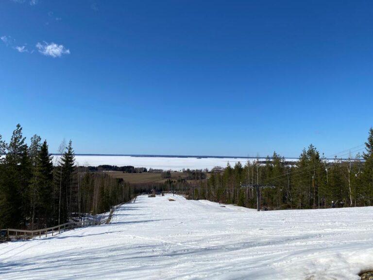 Taustalla siintää Lappajärvi